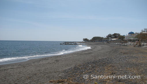 Perissa has a very well organized sandy beach, with umbrellas and watersports.