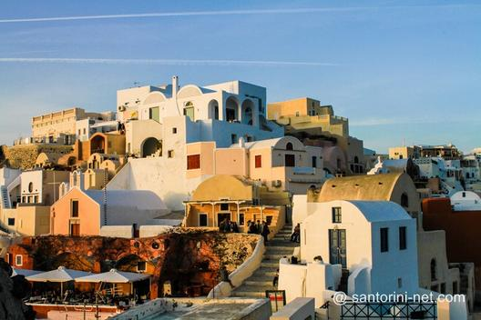 Oia houses when the sun falls down