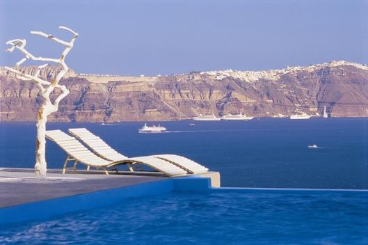 astarte_suites_hotel__infinity_pool__santorini_greece
