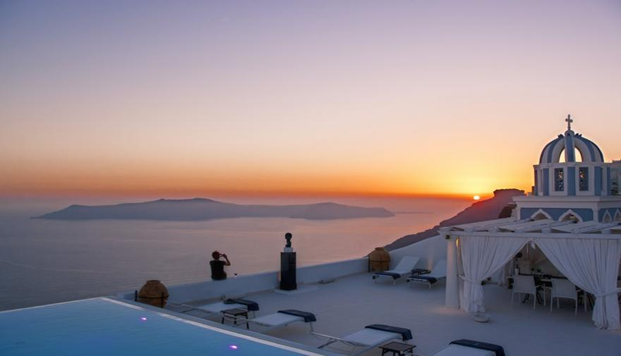Santorini sunset in the pool